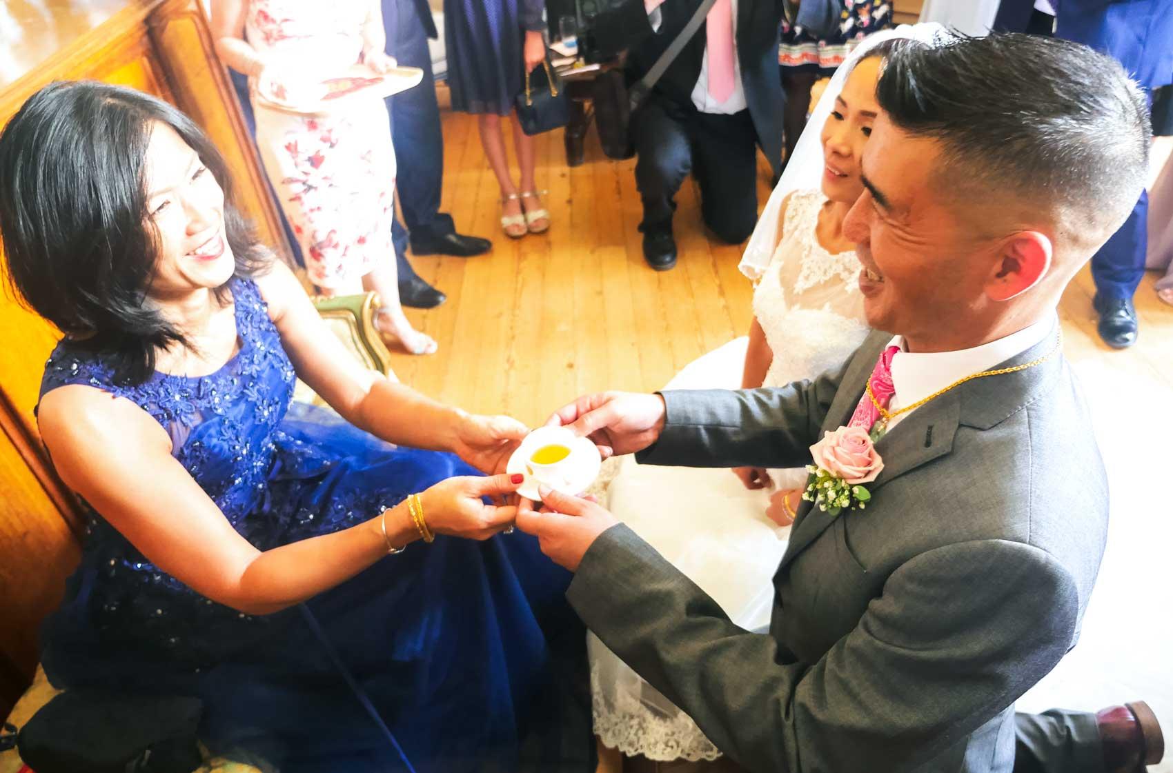 Wedding Photographer Chinese Tea Ceremony